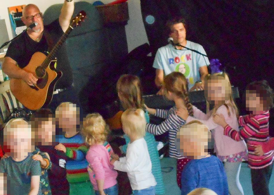 Kinder-Rockband Krawallo spielte in der Ev. Kita Spradow